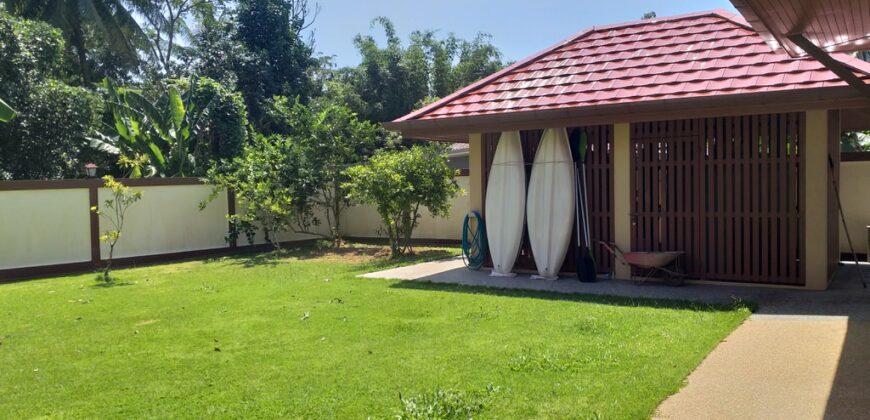 Très belle propriété de 2 villas récentes , parcelle de 2202m²,Grande piscine, à vendre à Khao Lak