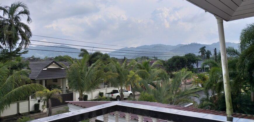 Villa avec piscine sur 2 étages à vendre à Khao Lak proche de toutes commodités