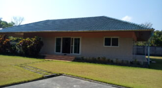 House on large plot with bungalow, European construction. For sale in Khao Lak