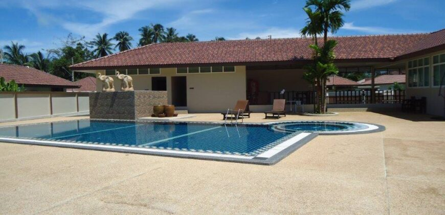Exclusive 3 bedroom pool-villa with 4 Bungalows for sale in Khao Lak.
