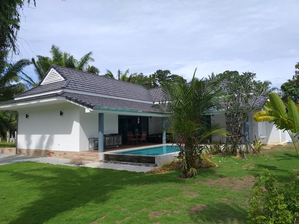 A vendre jolie villa neuve avec piscine avec vue sur la rivière