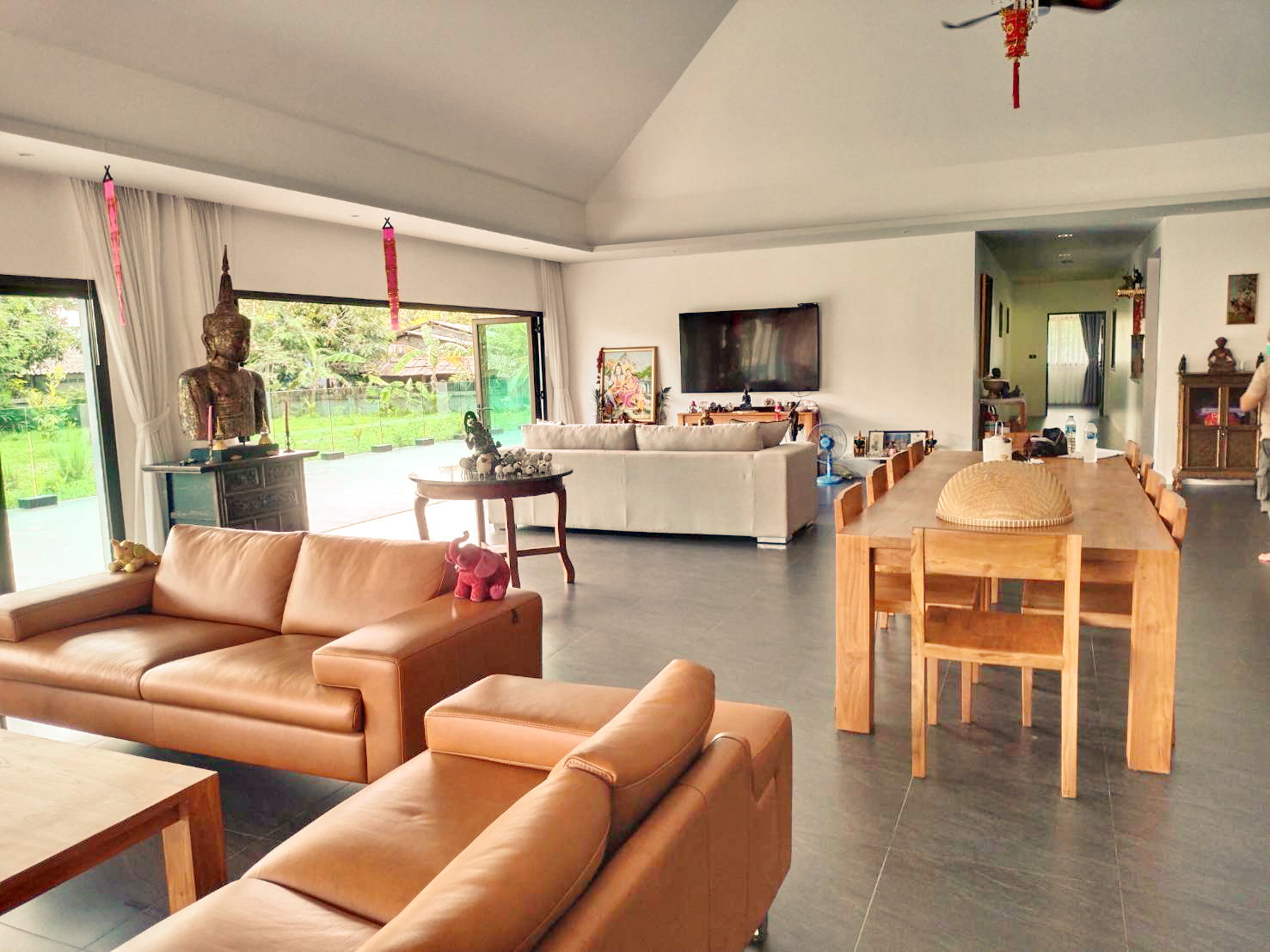 Spacious Pool villa for sale in Khao Lak