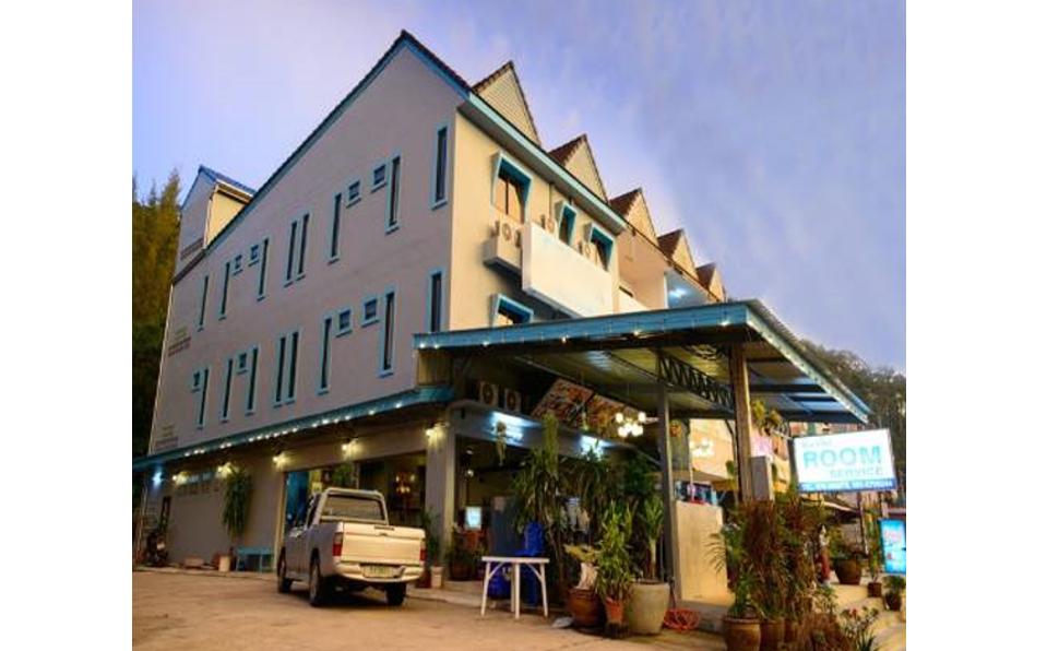 3 storey shophouse (2 Buildings) for sale in Khaolak.